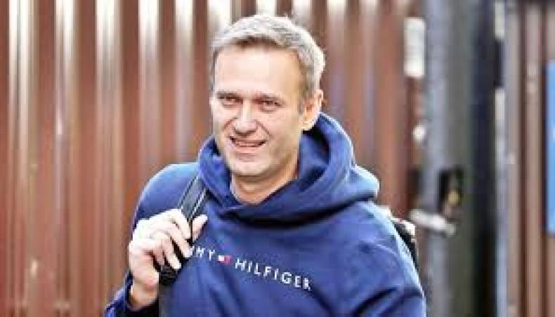 United Kingdom  police officer poisoned by Novichok issues cryptic tweet on Navalny